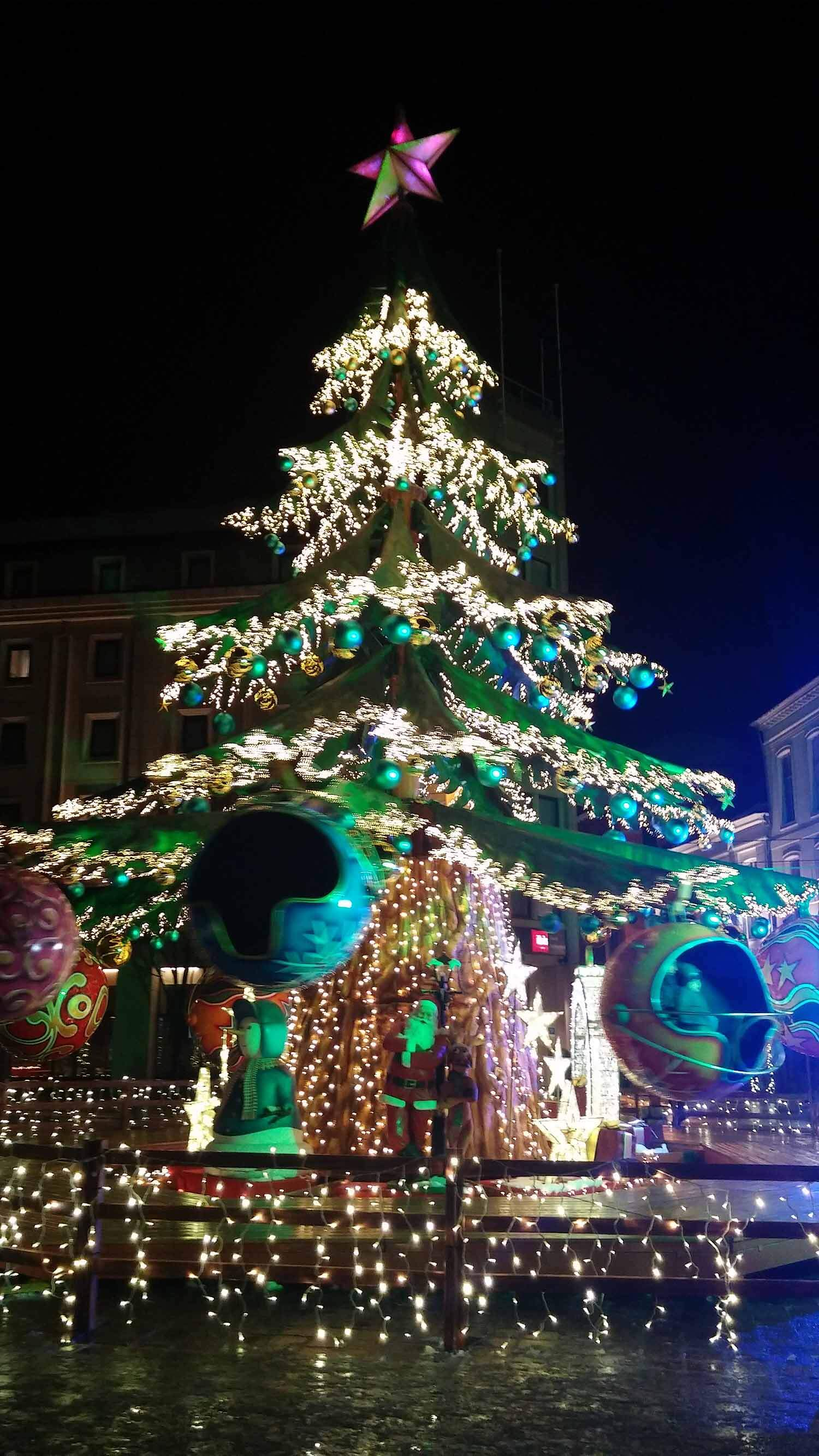 belgium-ghent-christmas-tree-holiday-market.jpg