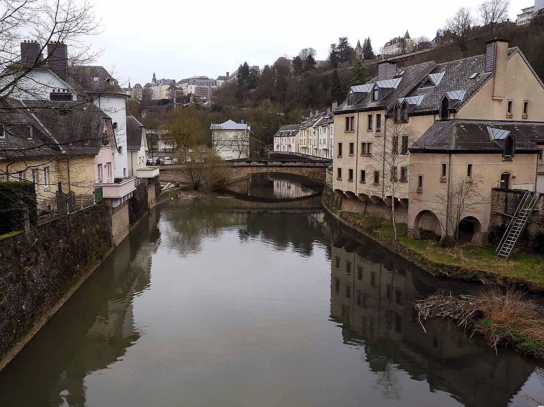 luxembourg-city-izette-river.JPG