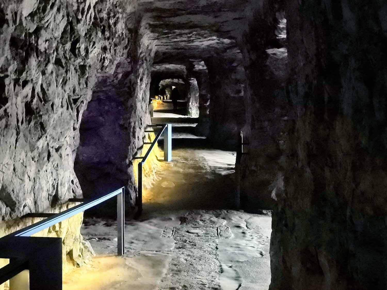 luxembourg-city-bock-casemates-tunnel.jpg