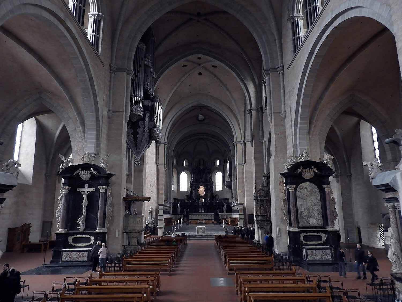 germany-trier-chruch-christ-catholic-liebfrauenkirche-interior.JPG