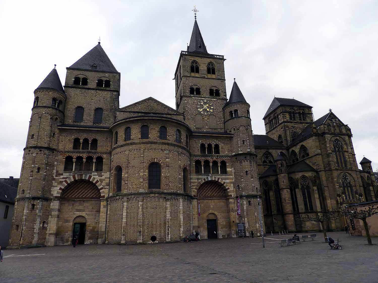 germany-trier-church-christ-liebfrauenkirche.jpg