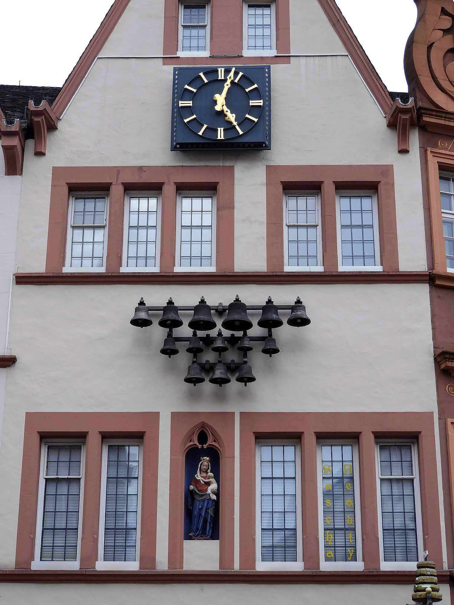 germany-trier-clock-and-bells.jpg