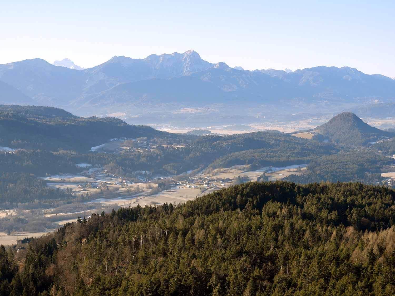 austria-aussichtsturm-pyramidenkogel-view-tower.JPG