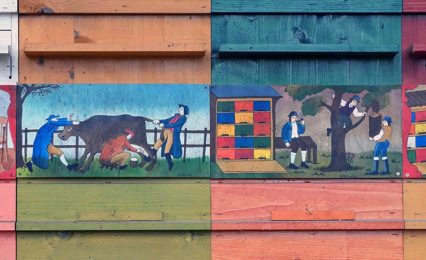 slovenia-triglav-national-park-beehive-painting-traditional.JPG
