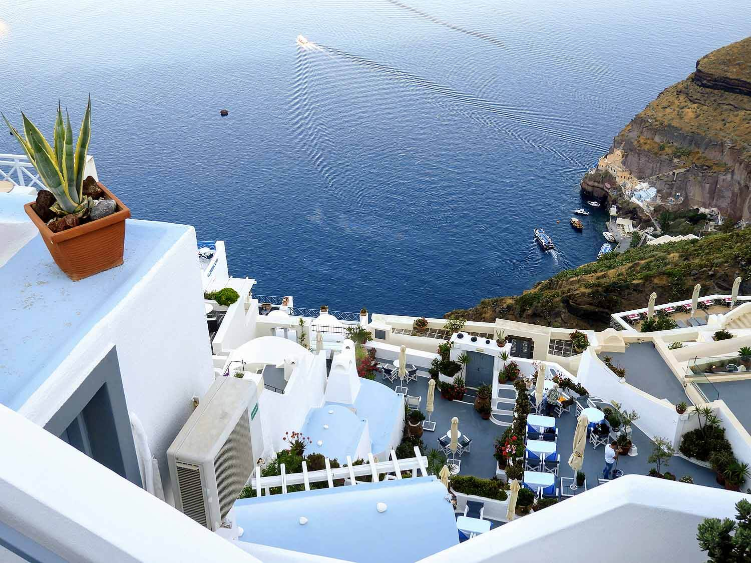 greece-santorini-fira-resort-hotel.jpg