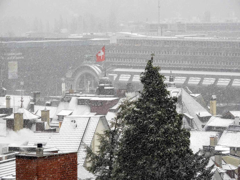 switzerland-lucerne-january-snow-storm.jpg