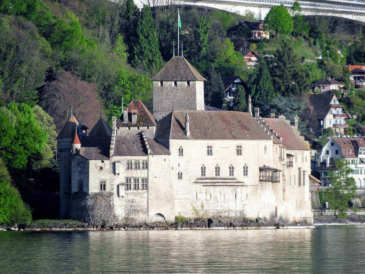 switzerland-montruex-chillon-castle.jpg