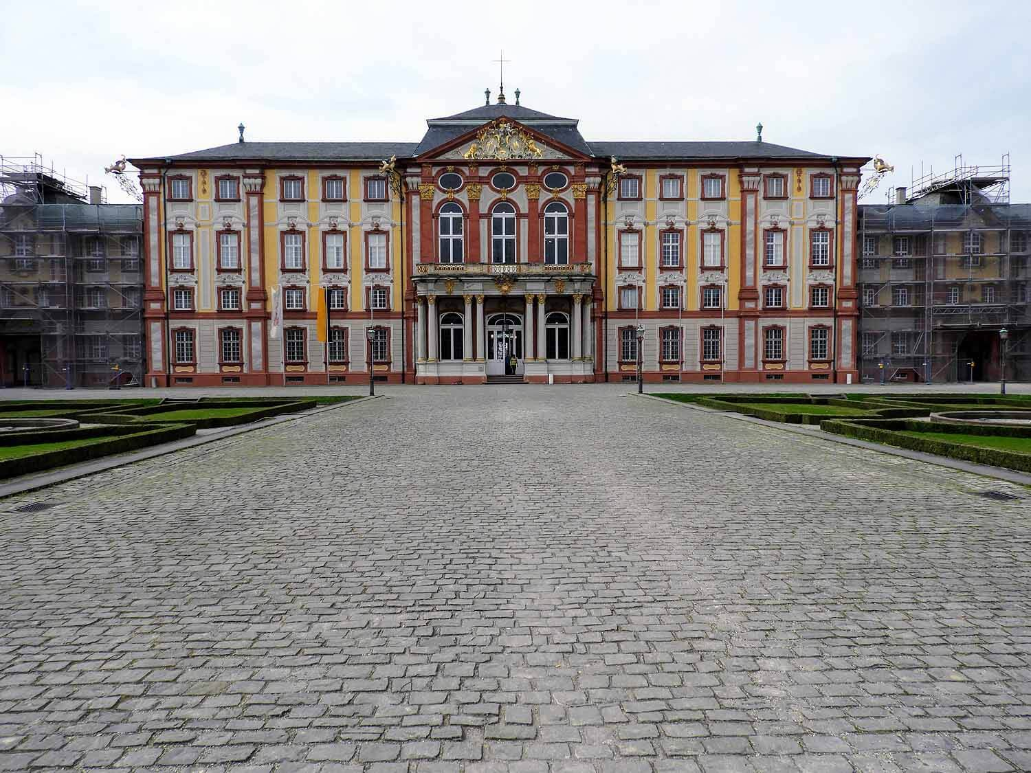 germany-bruchsal-schloss-castle.jpg