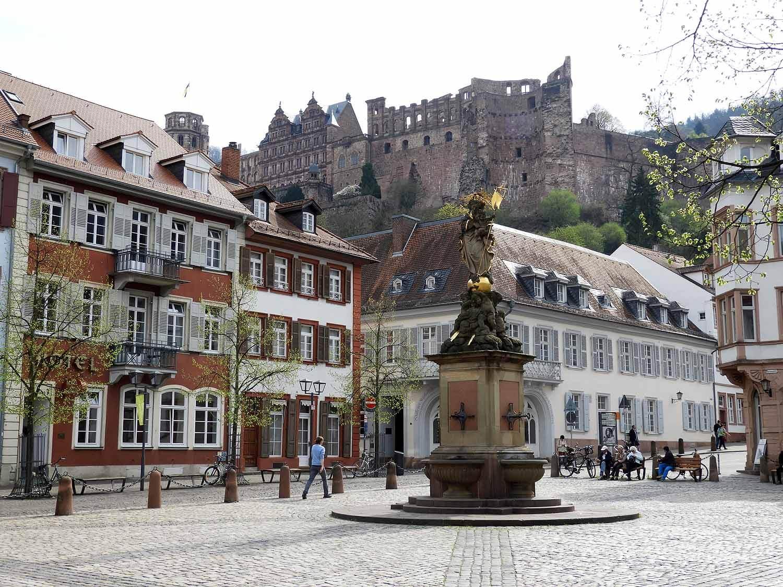 germany-heidelberg-townsquare.JPG