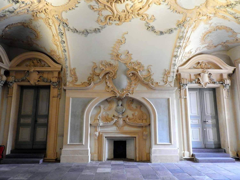 germany-rastatt-residenceschloss-palace-interior-fireplace.jpg