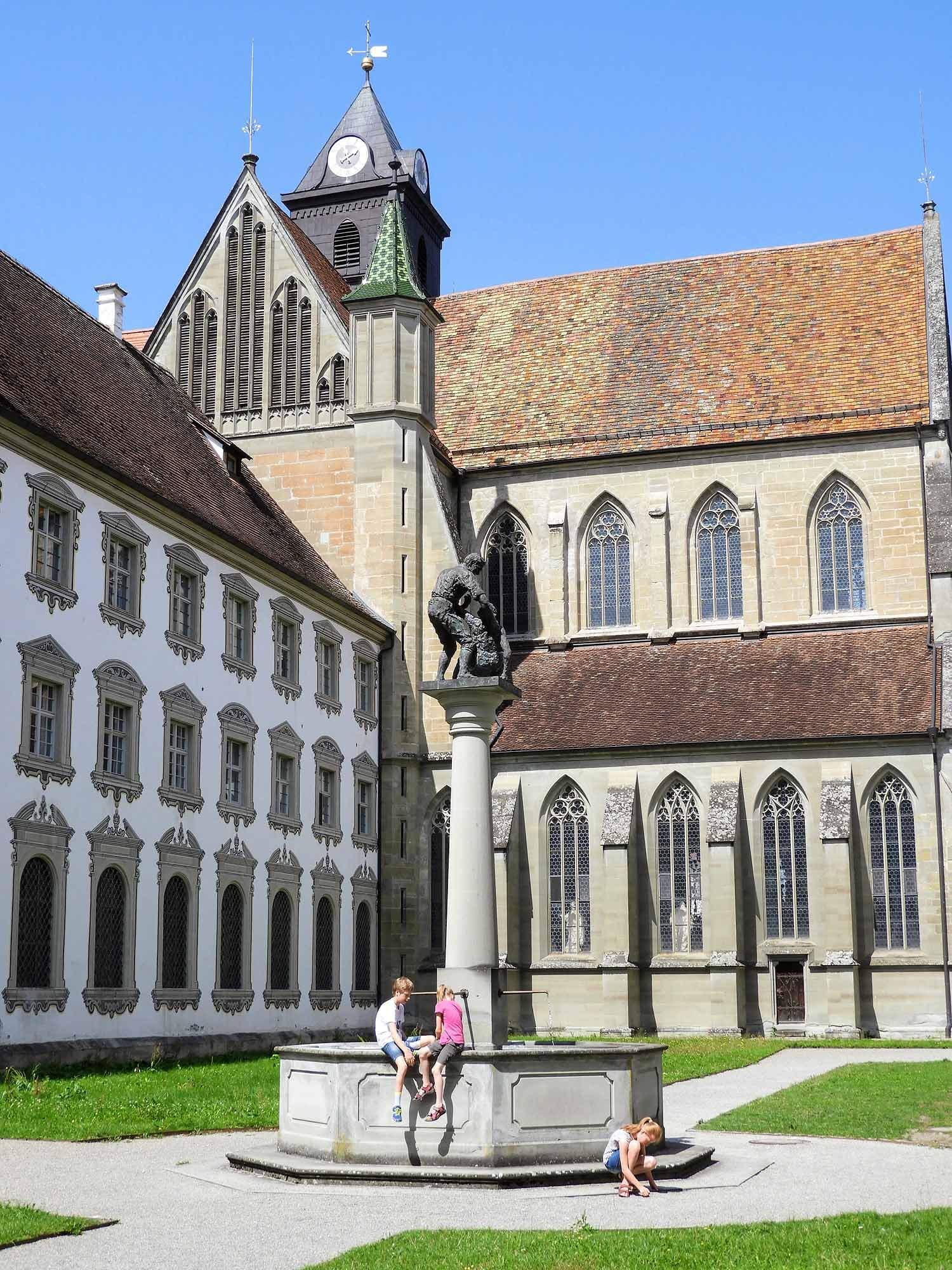 germany-salem-monastery-courtyard-well.jpg