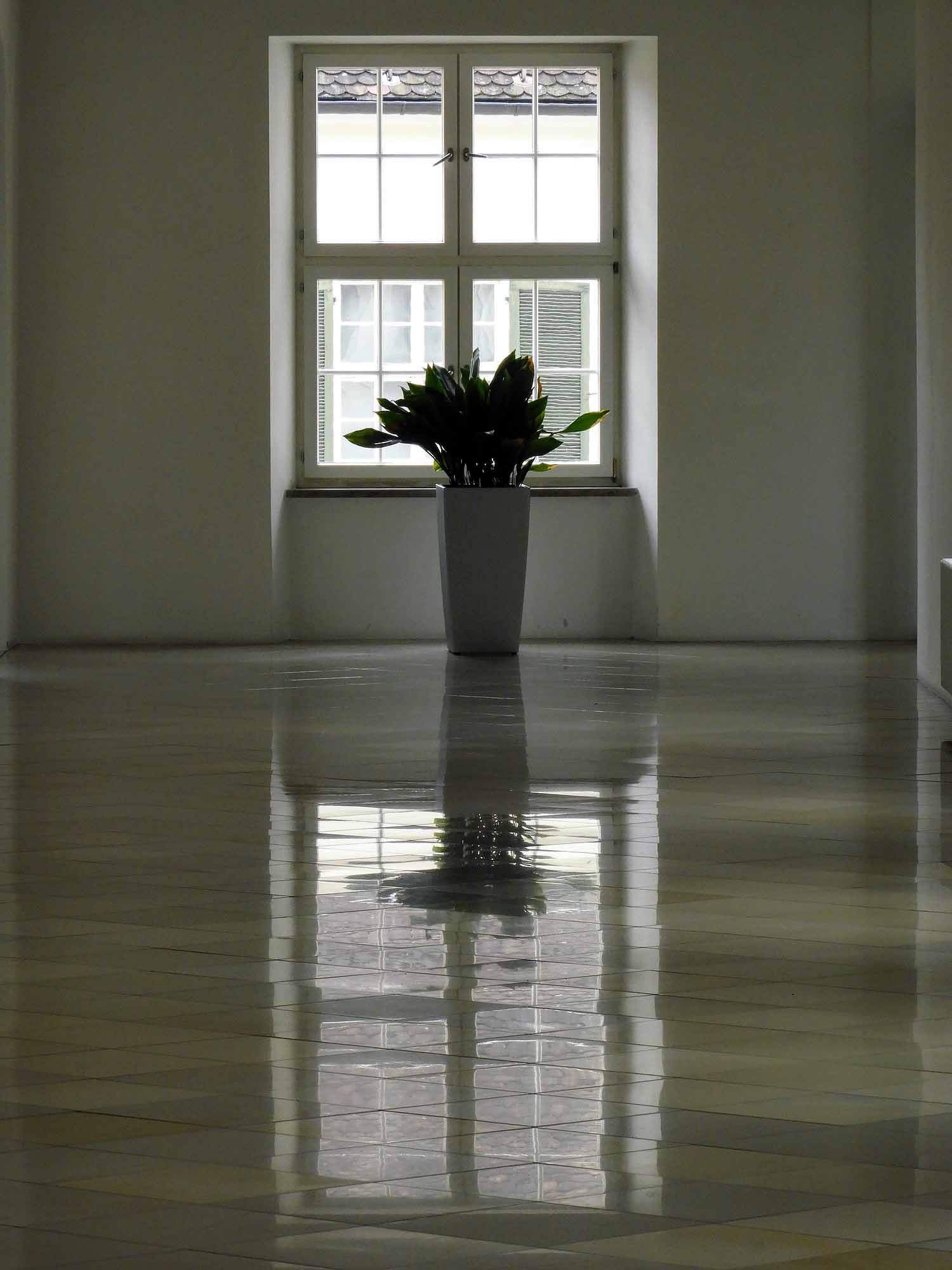 germany-kloster-ochsenhausen-hallway-vase.jpg