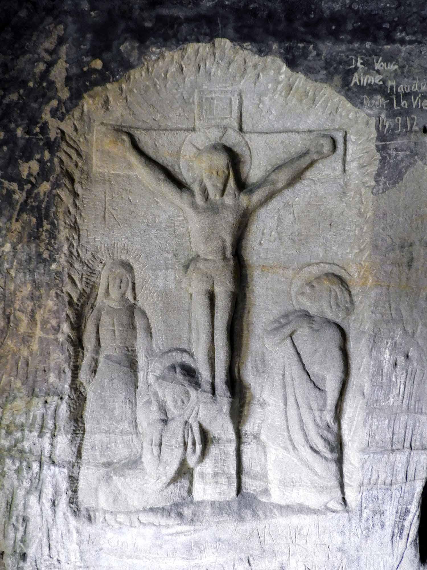 switzerland-fribourg-magdalena-einsiedelei-rock-church-pilgramage-stone-christ.jpg