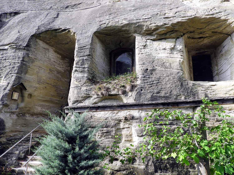 switzerland-fribourg-magdalena-einsiedelei-rock-church-pilgramage-cave.jpg