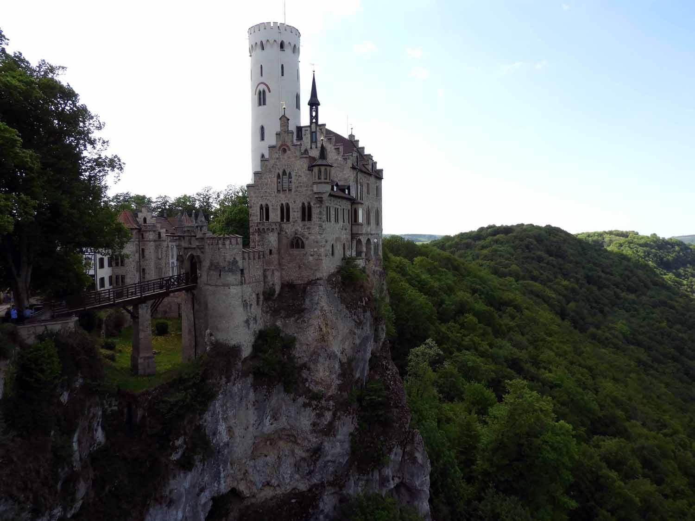 germany-schloss-lichtenstein-caslte-cliff.JPG