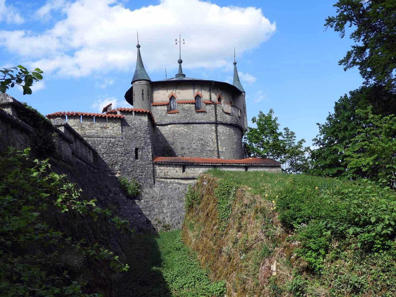 germany-schloss-lichtenstein-defend-moat.JPG