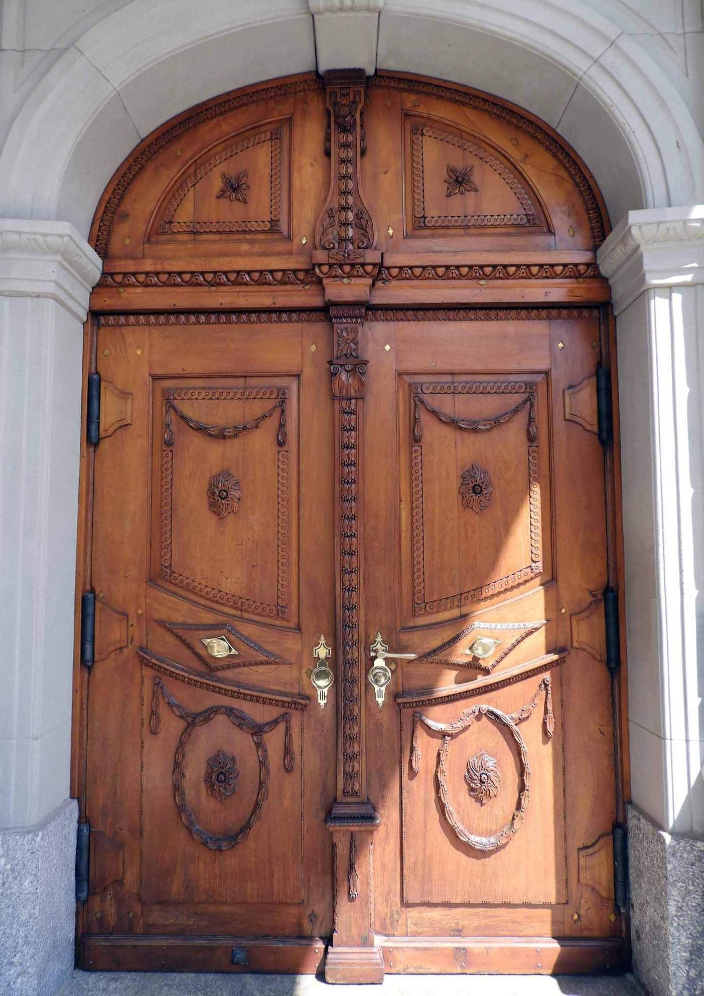 switzerland-appenzell-church-doors.JPG