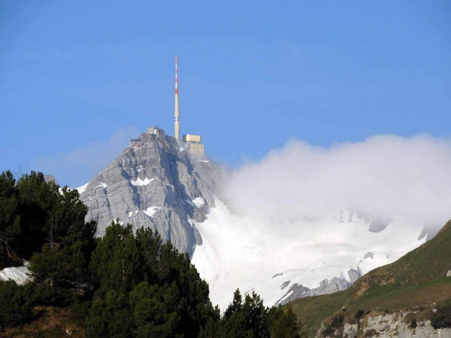 switzerland-ebenalp-seealpsee-santis-peak.JPG