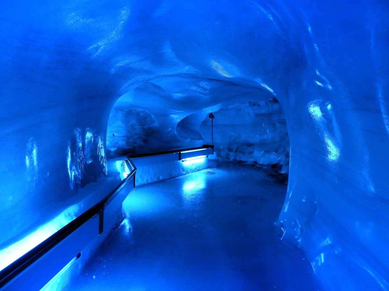 switzerland-titlis-glacier-cave.JPG