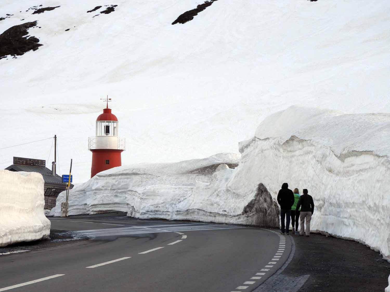 switzerland-oberalppass-mountain-pass-snow.JPG
