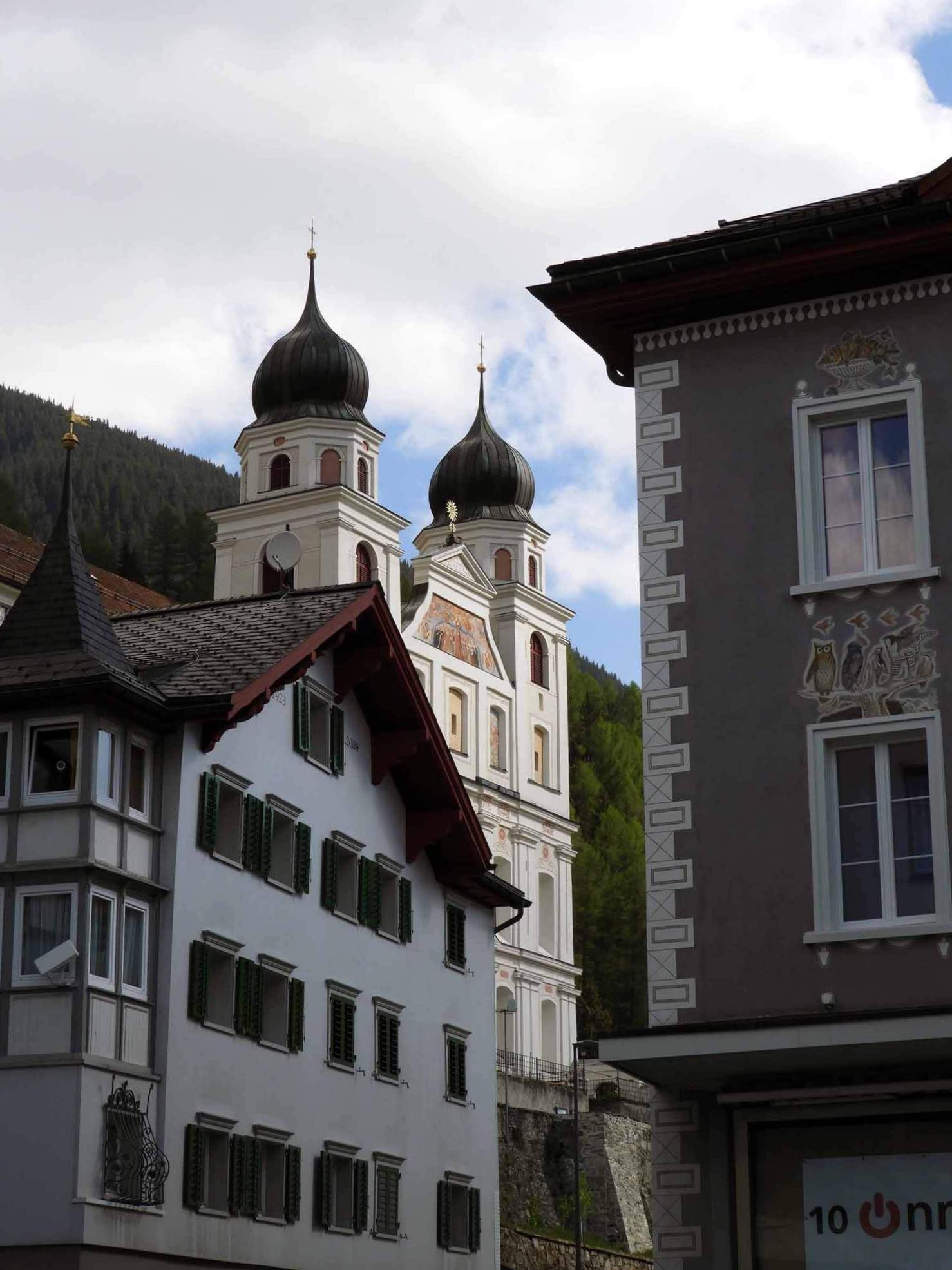 switzerland-oberalppass-vorderrhein-river-valley-disentis.JPG