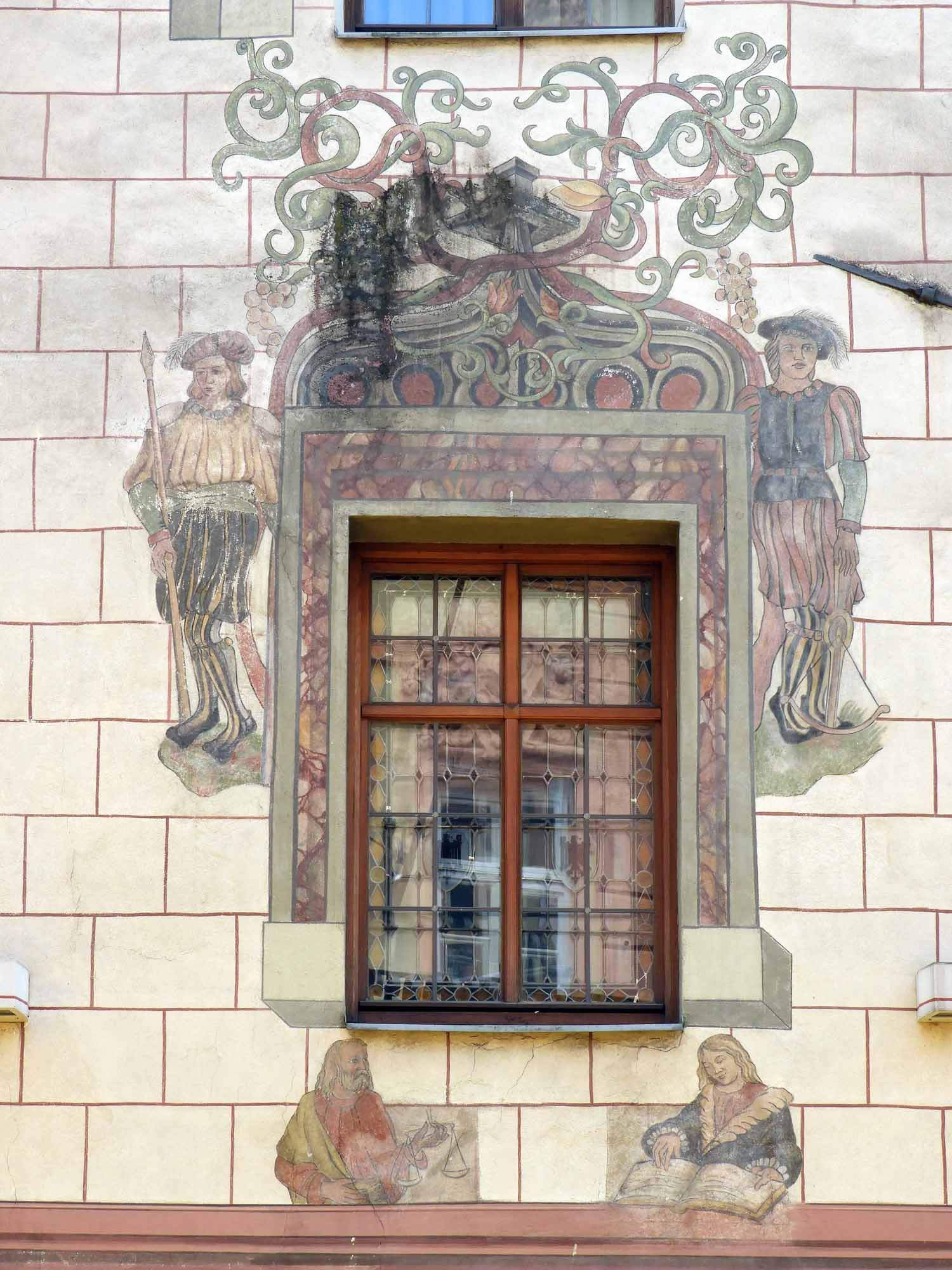 austria-innsbruck-window-paintings.JPG
