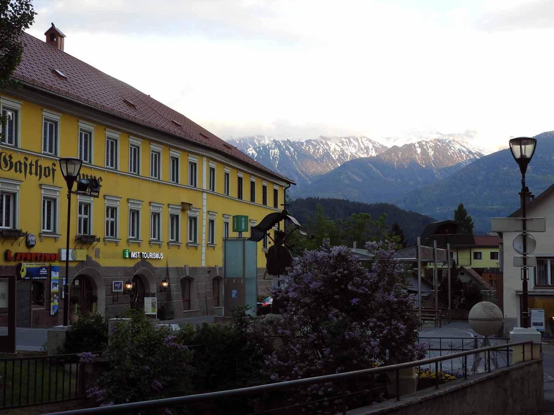 austria-imst-downtown-mountains.JPG