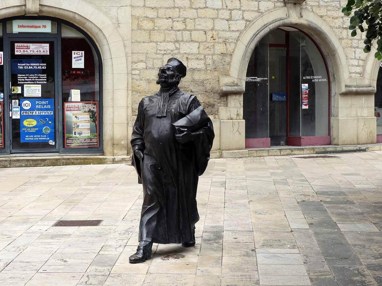 france-vesoul-statue.JPG