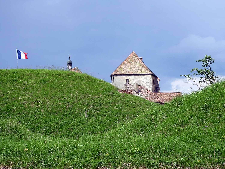 france-chateau-de-joux-castle.JPG
