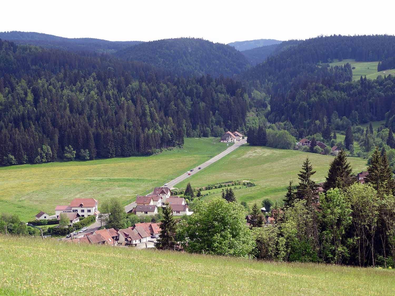 france-chateau-de-joux-valley-view.JPG