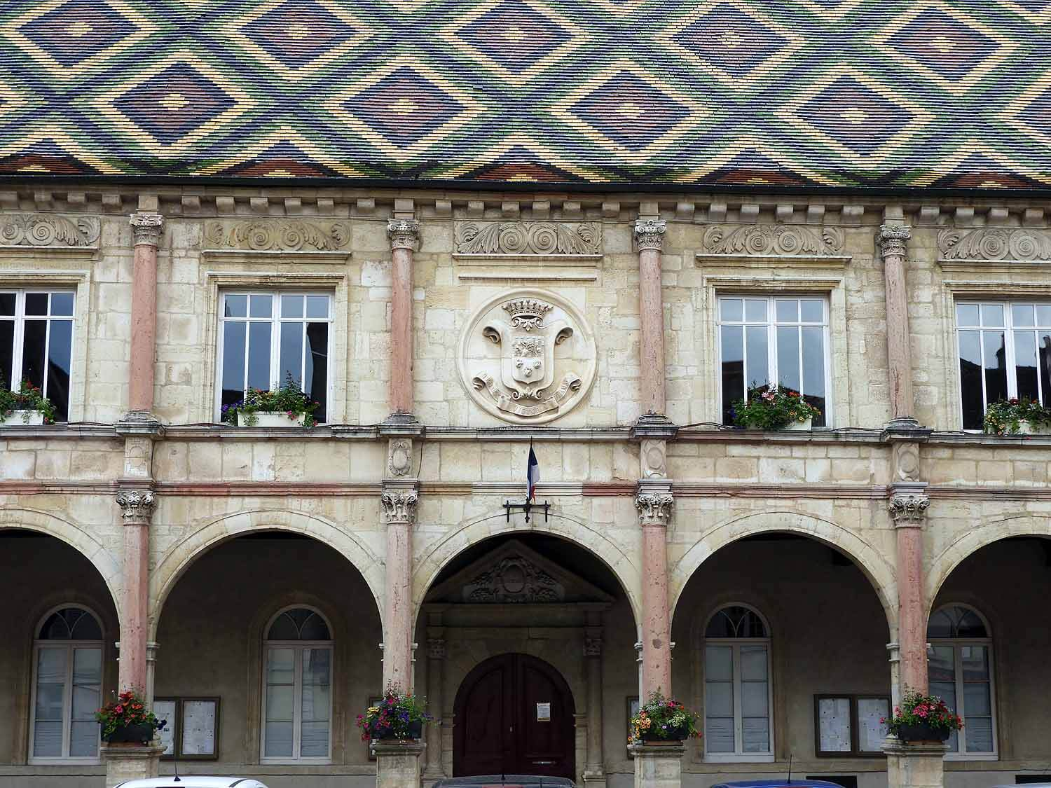 france-gray-commune-town-hall-exteriour.JPG
