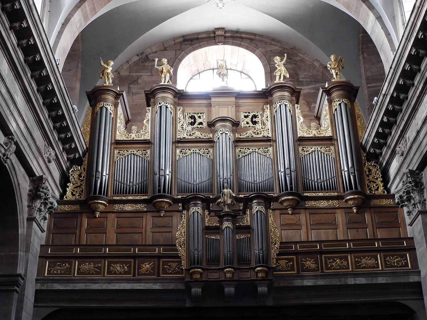 france-belfort-cathedral-organ.JPG