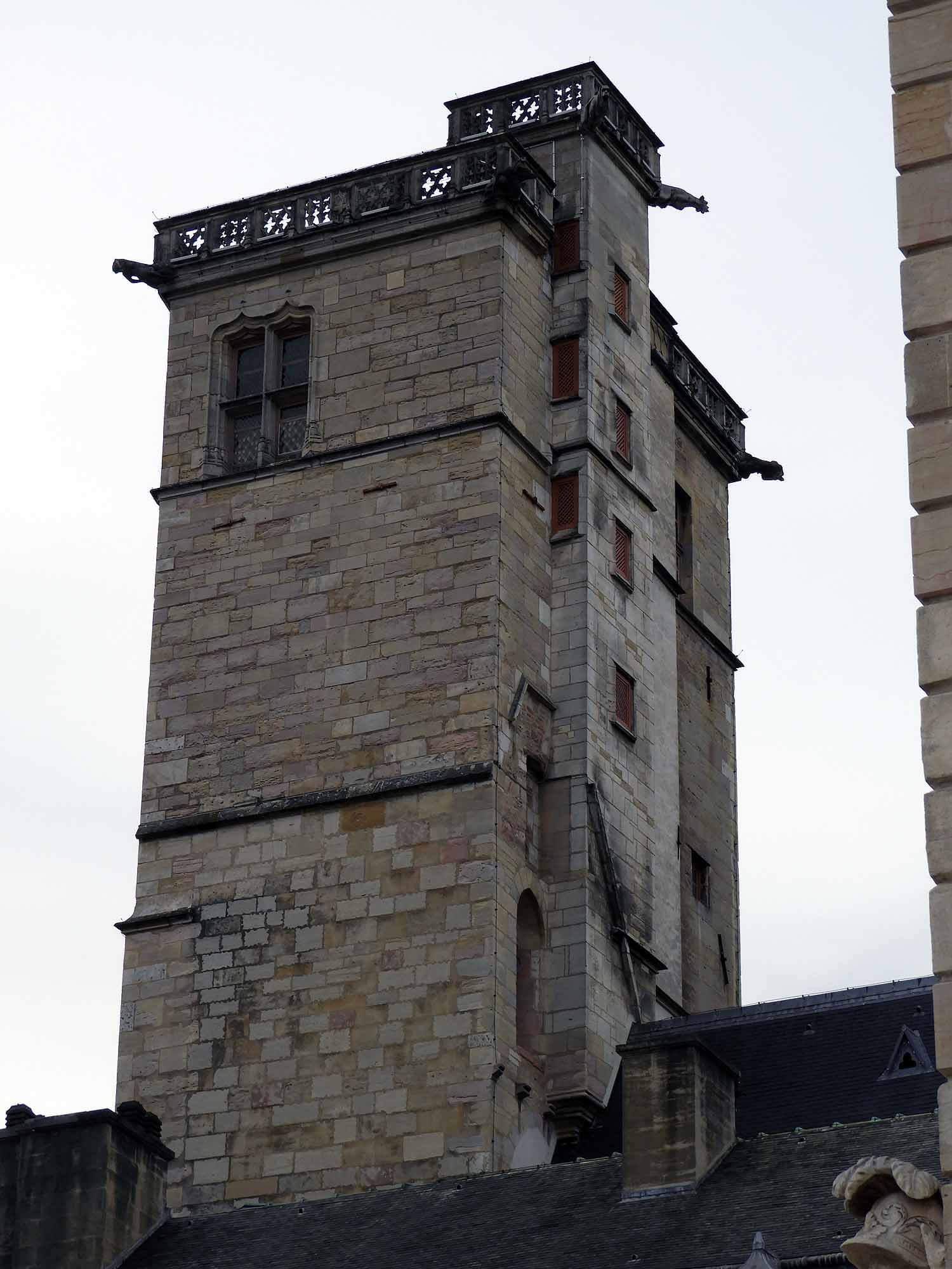 france-dijon-tower.JPG