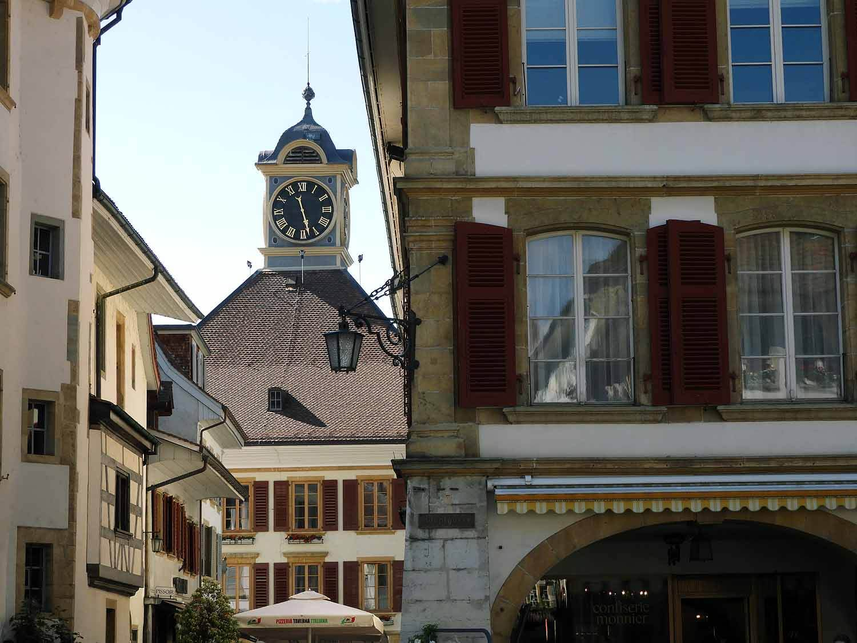 switzerland-murten-clock-tower.JPG