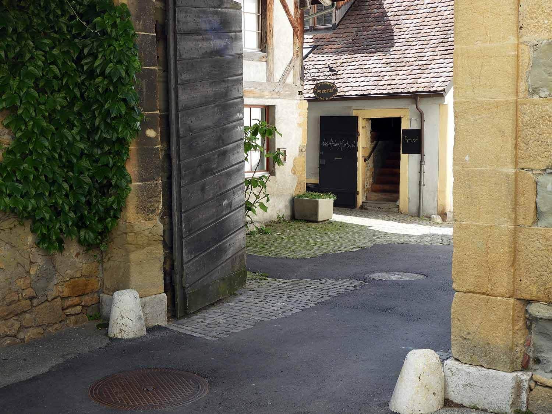 switzerland-murten-city-gate.JPG