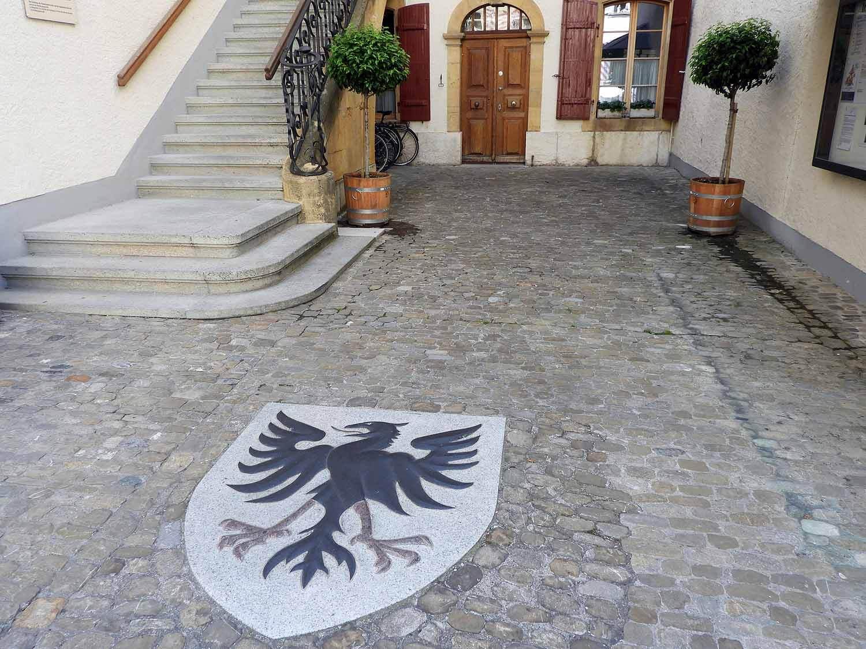 switzerland-murten-eagle-sheild.JPG