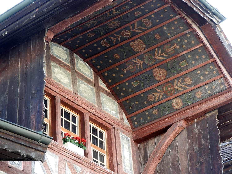 switzerland-murten-painted-eves-roof-overhang.JPG