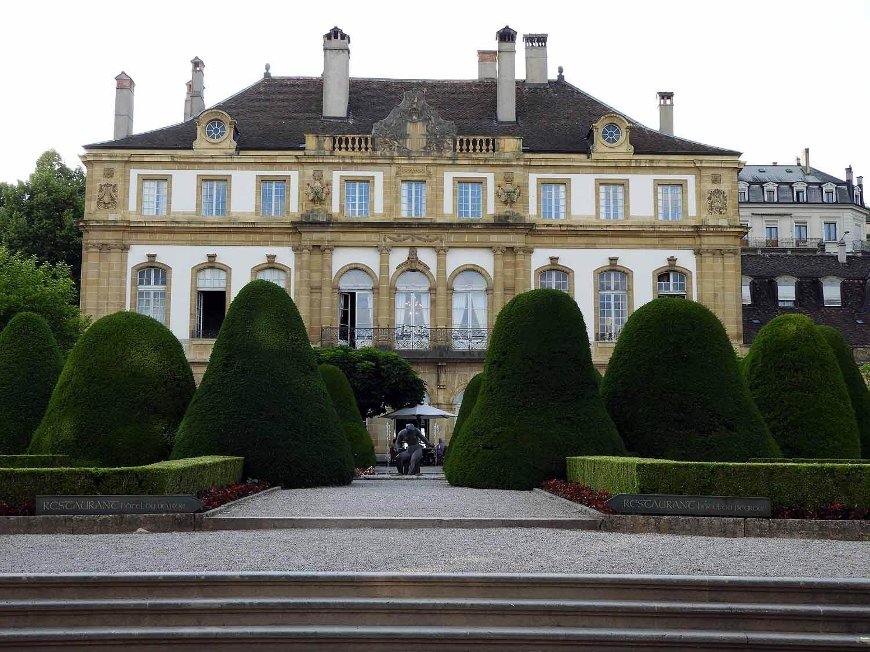 switzerland-neuchatel-hôtel-dupeyrou.JPG