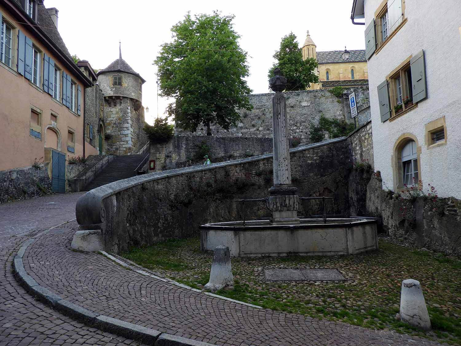 switzerland-neuchatel-potable-fountain.JPG