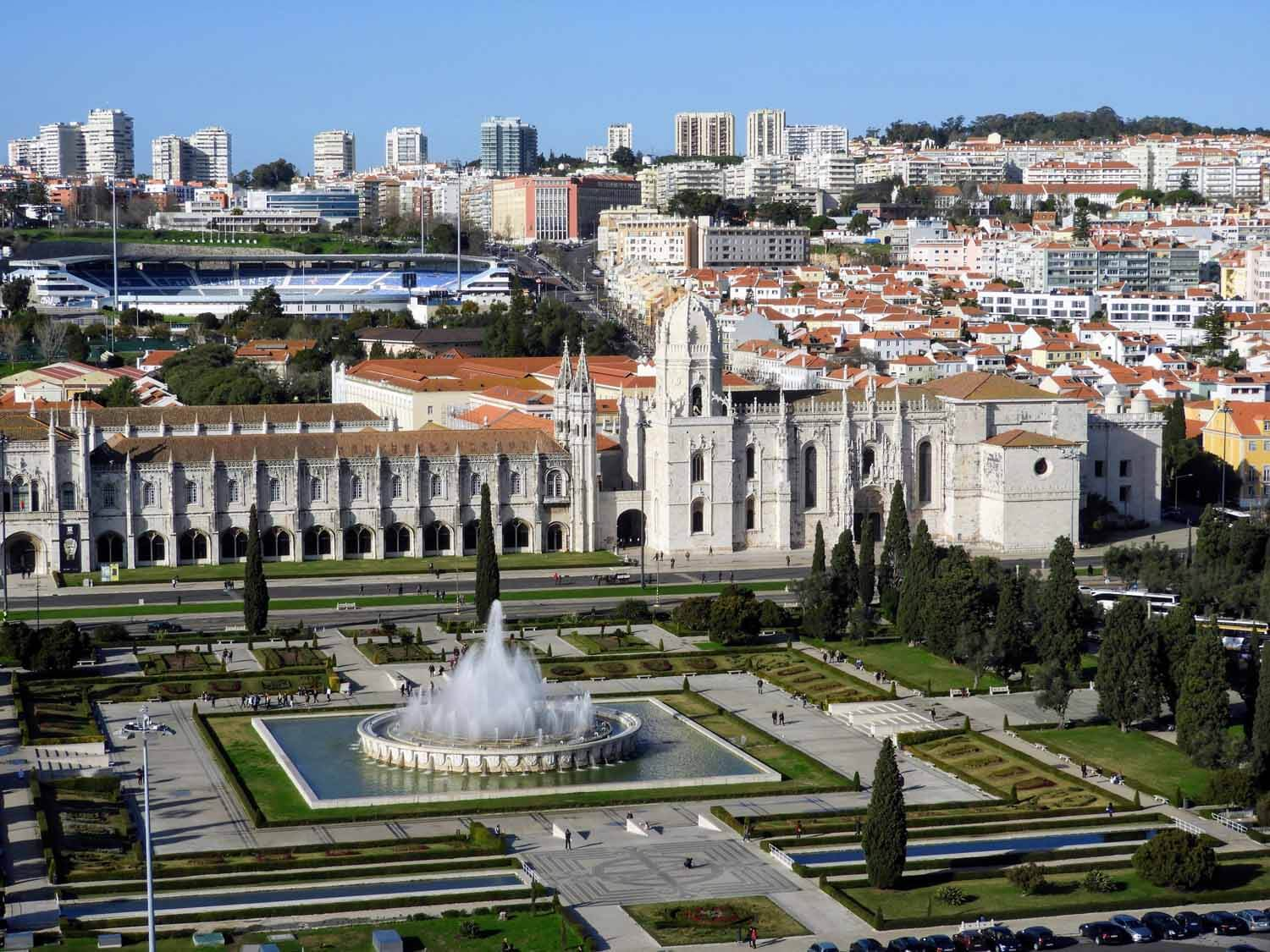 Belém - No trip to Lisbon is complete without exloring the neighboring area of Belém. We have a page updated all about it!