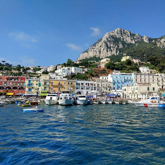 Take me back to Capri!  #maiastratravel #maiastra #maiastralife #italy #capri #marinagrandecapri