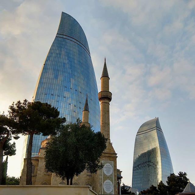 Fun fact: Baku is the world's lowest capital at 92 feet below sea level. Now you know!  #maistralife #maiastra #maiastratravel #azerbaijan #baku #flametowers