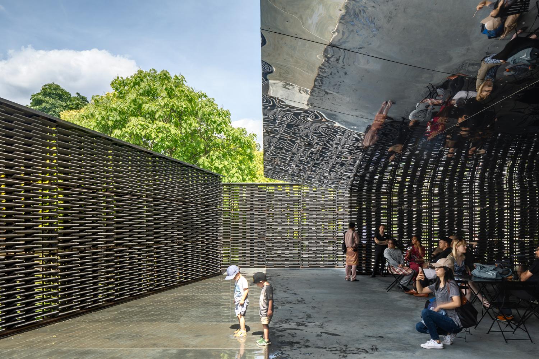 Serpentine Pavilion - photography by Rafael Gamo