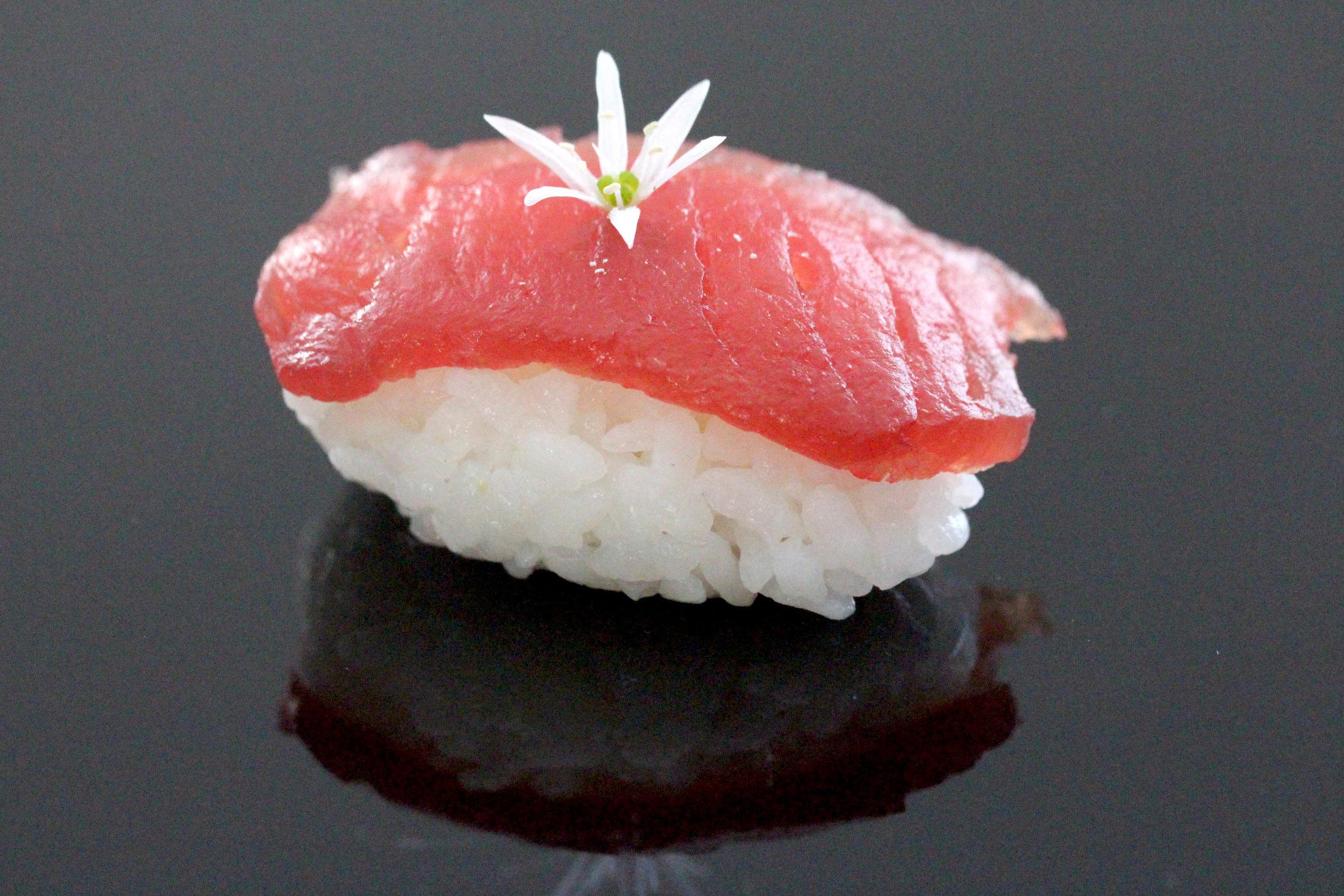 tuna_nigiri.jpg