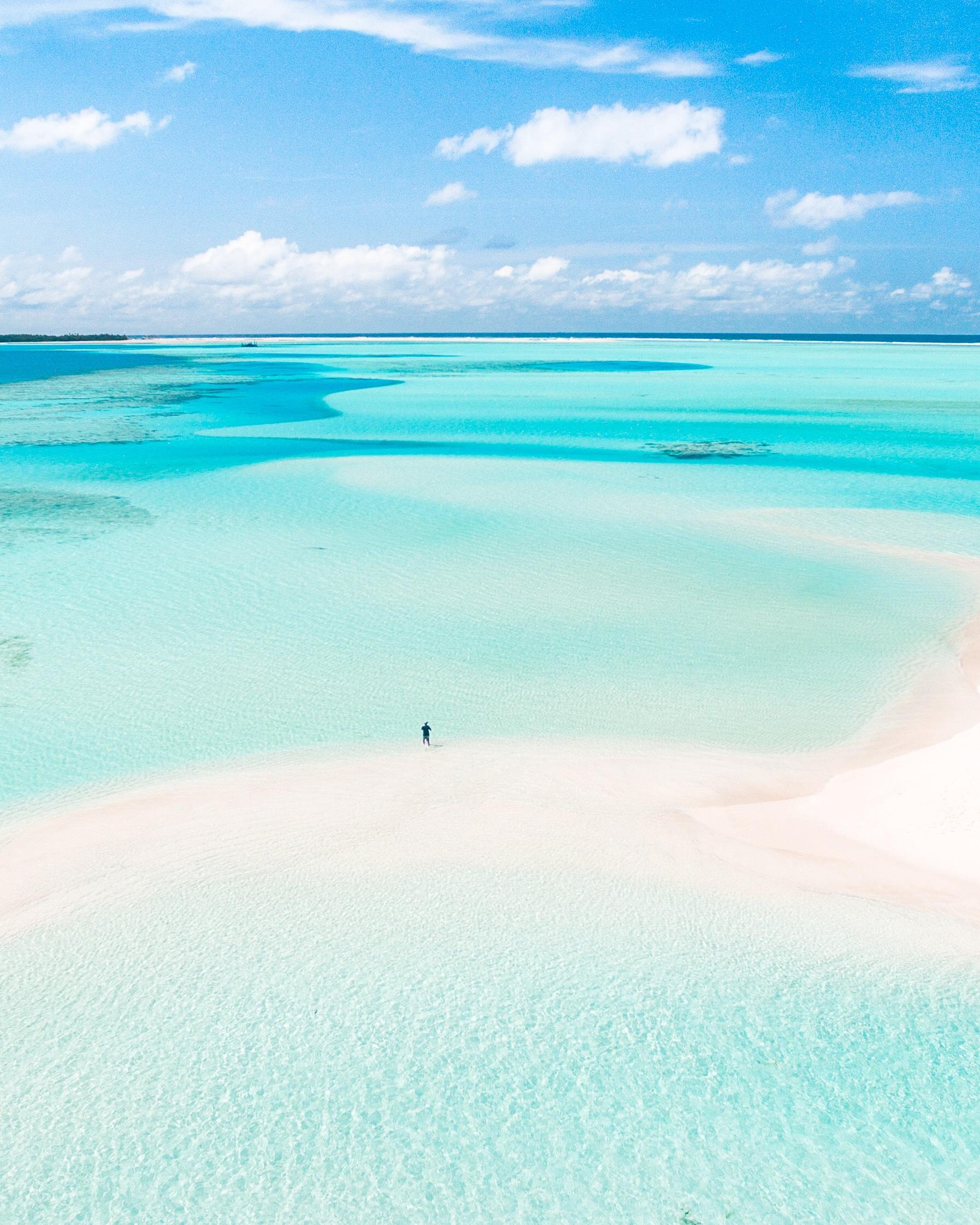 sandbar in the maldives credit: Ishan Hassan / coral reef image bank