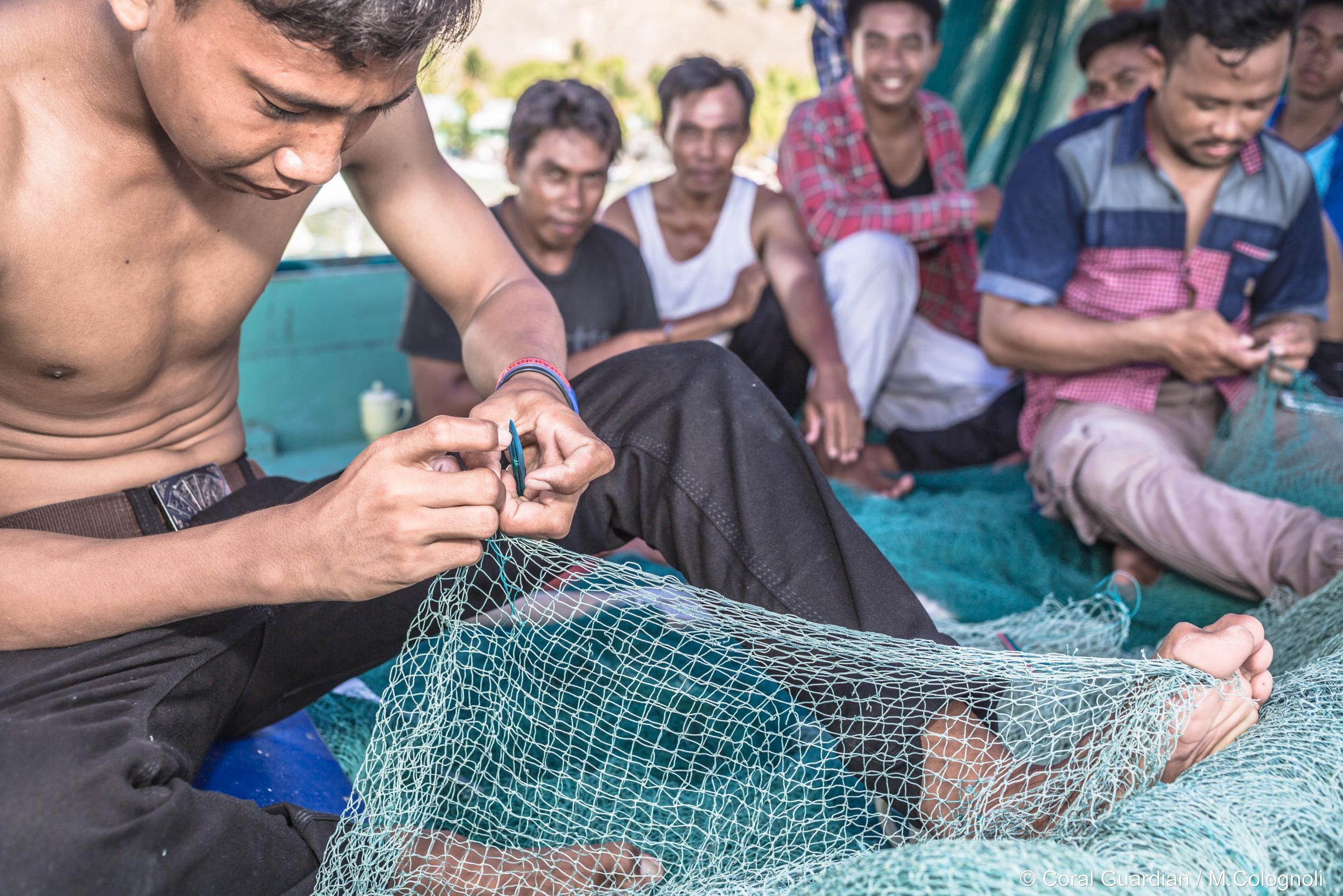 02 - Fishermen prepare traditional nets CREDIT: MArtin COLOGNOLI