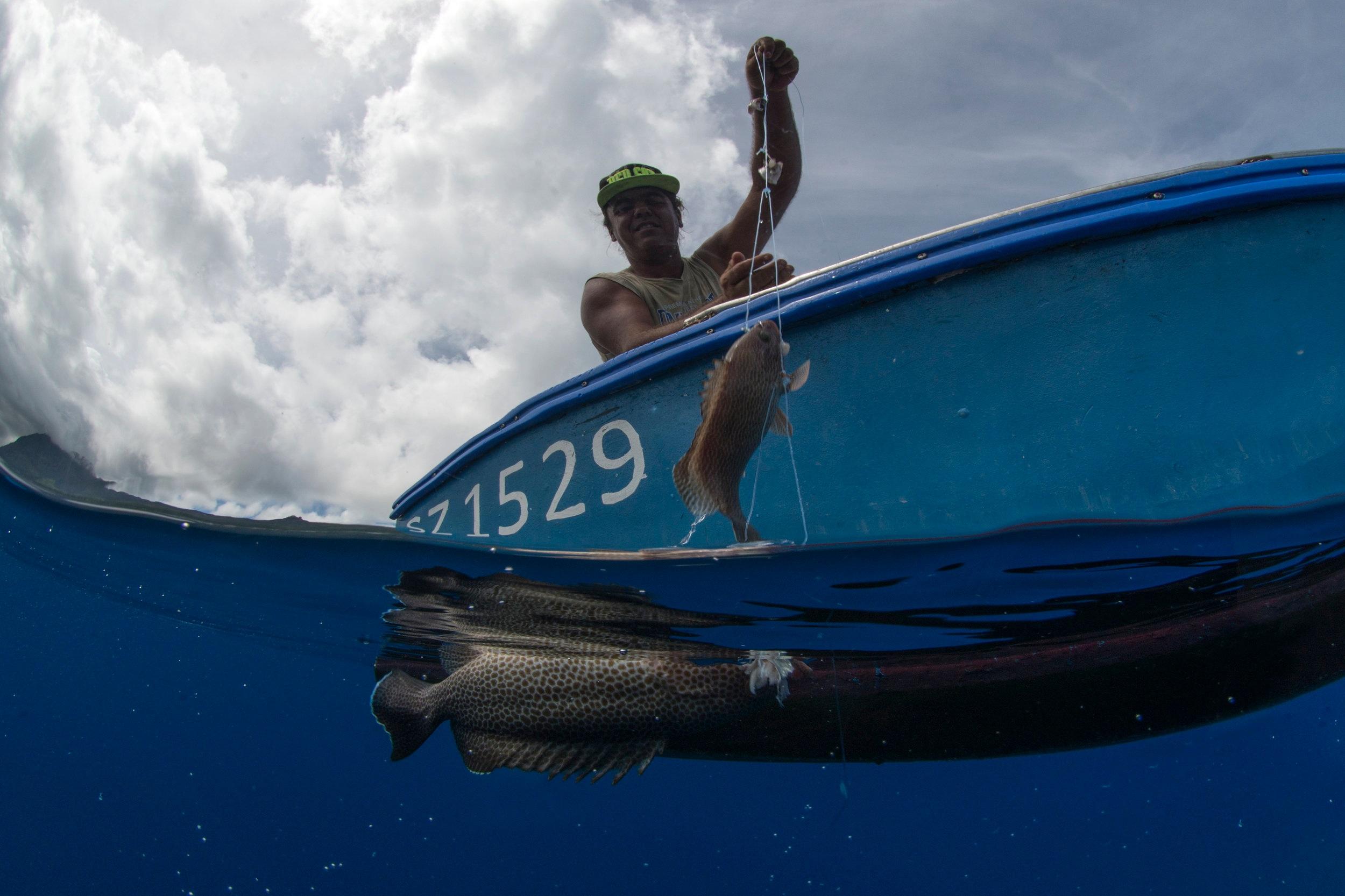 FISHERMAN, seychelles CREDIT: THE OCEAN AGENCY / coral reef image bank