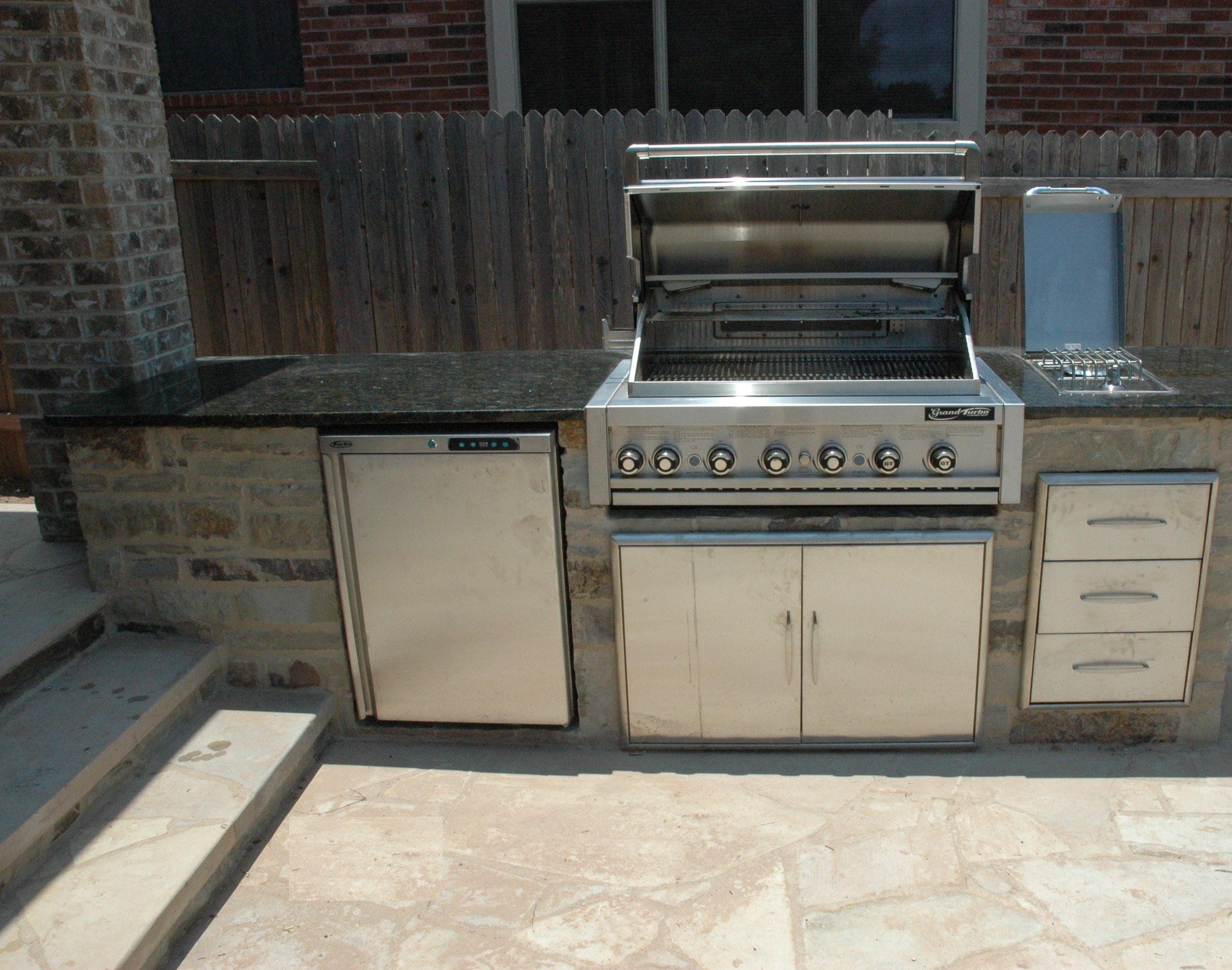 Granite counter top summer kitchen.jpg