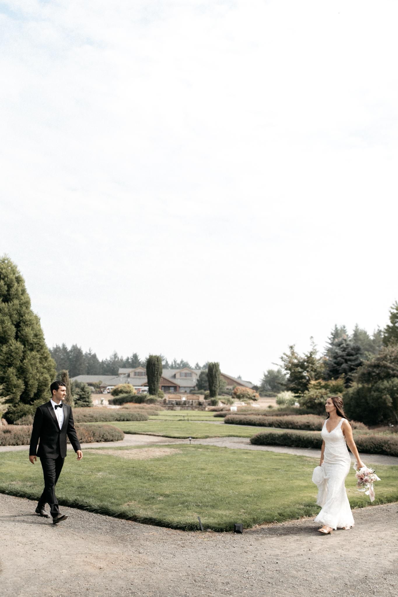 oregon gardens wedding in Silverton oregon