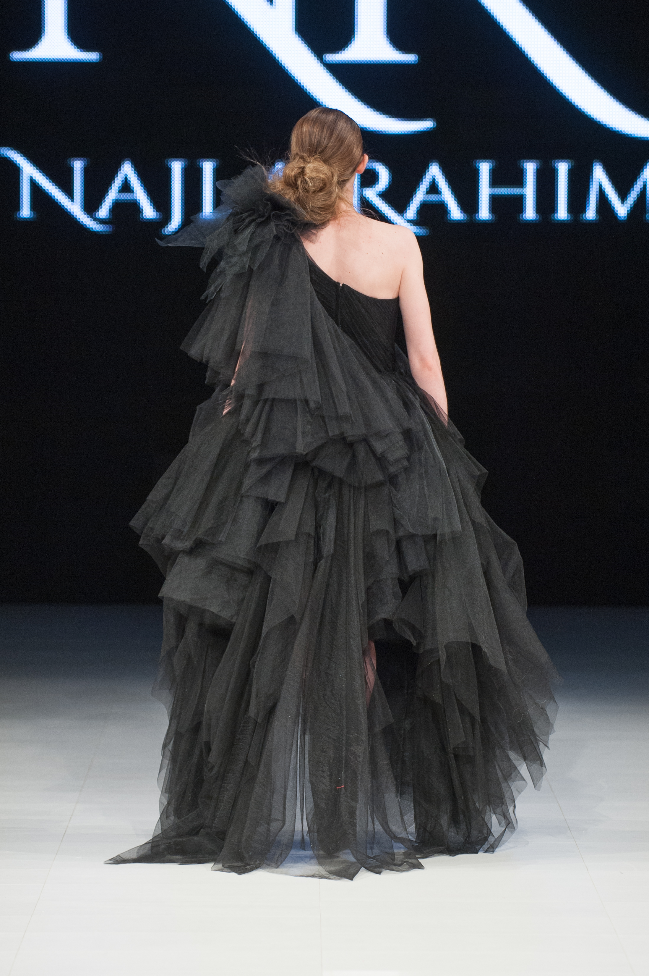 FAT2018-Day1-April17-Najla_Rahimi-Runway-Che_Rosales-LARAWAN-5717.jpg